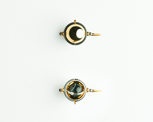 Pluton earrings