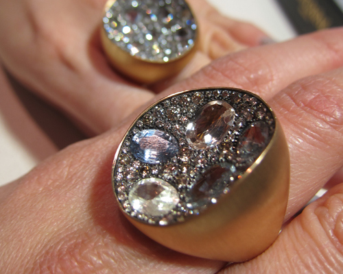 Rings with natural sapphires and champagne diamonds from the Extraordinary collection, ANTONINI