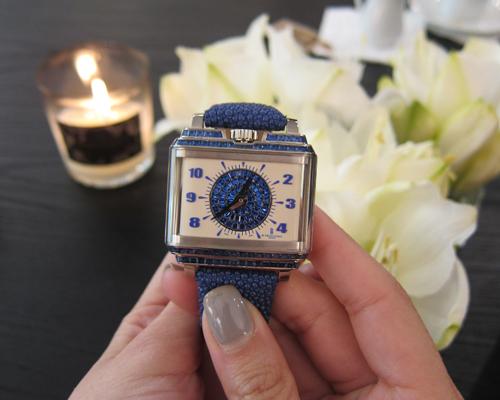 New RetroLady Baguette timepiece, DE GRISOGONO