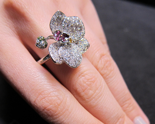 Floral ring with pink sapphire and diamonds, PALMIERO