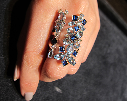 Long ring in sapphire, aquamarine and diamonds from the Kaleidoscope collection, CARLO BARBERIS