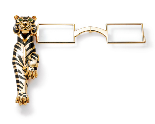 A panther bracelet made for the Duchess by CARTIER in 1952. It fetched a price of more than US$7 million at Sotheby's London auction in 2010.