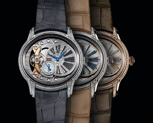 The 2015 Millenary features an all-new in-house-made movement Calibre 5201 with small seconds indication and 54 hours of power reserve.