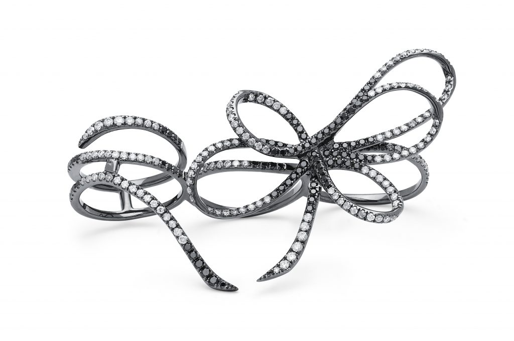Colette-18-kblack-gold-two-finger-bow-ring-with-black-white-diamonds