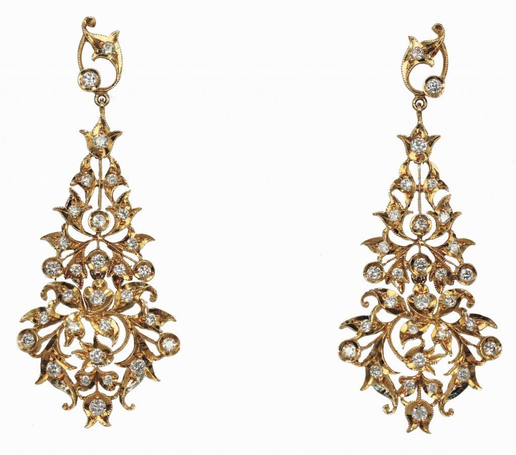 Peranakan-18k-gold-earrings-si-dian-jin-bridal-jewellery