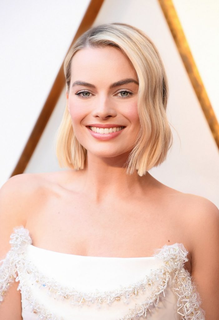 margot-robbie-oscars-2018-chanel-couture-gown-chanel-fine-jewellery