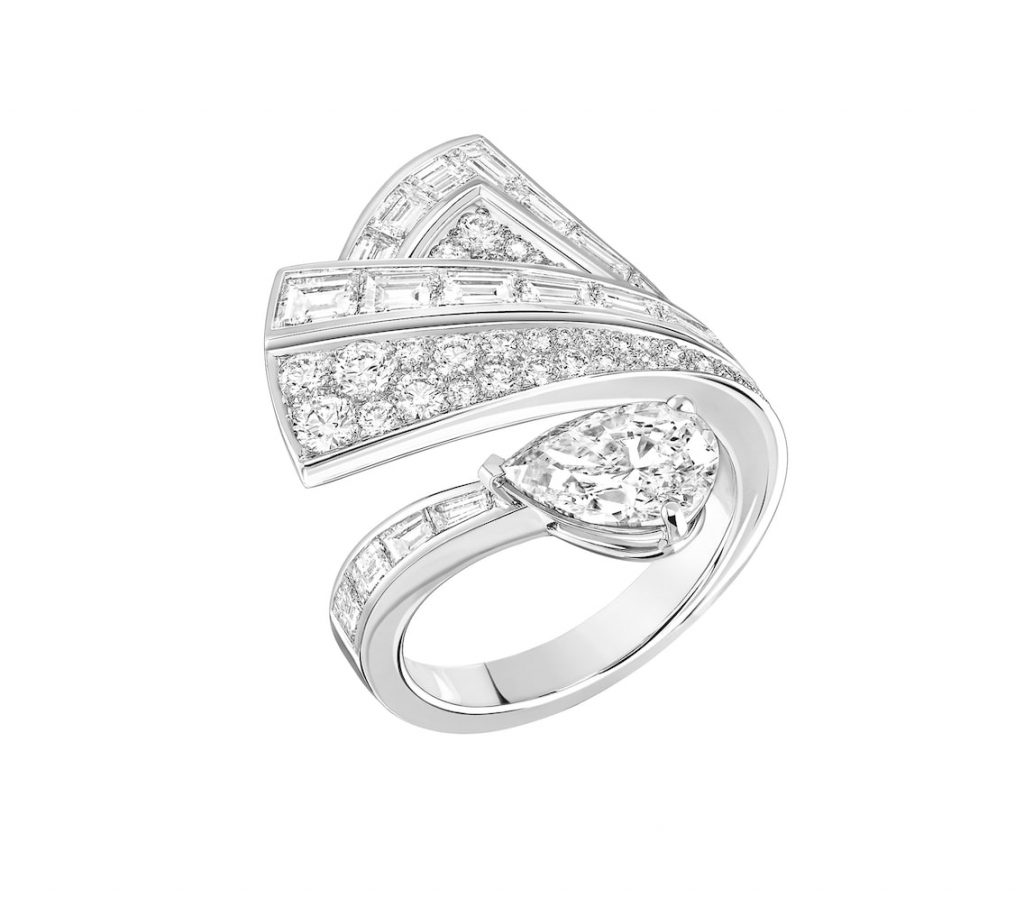 maud-ring-18k-white-gold-diamonds-chanel-fine-jewellery