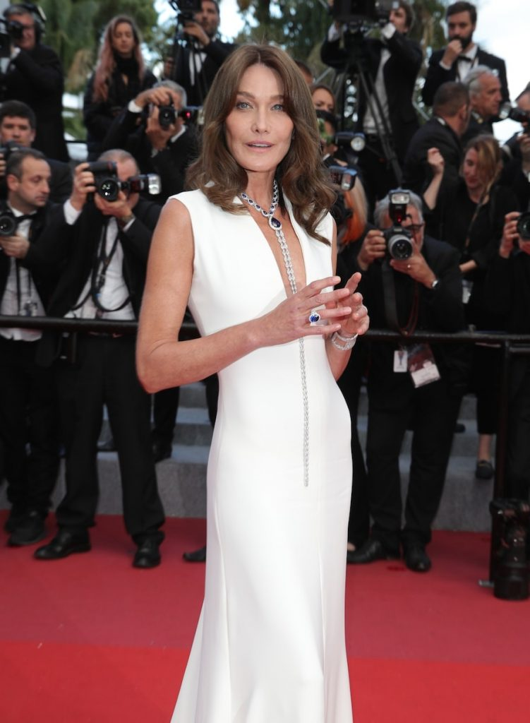 Carla-Bruni-Dior-white-dress-chopard-jewellery