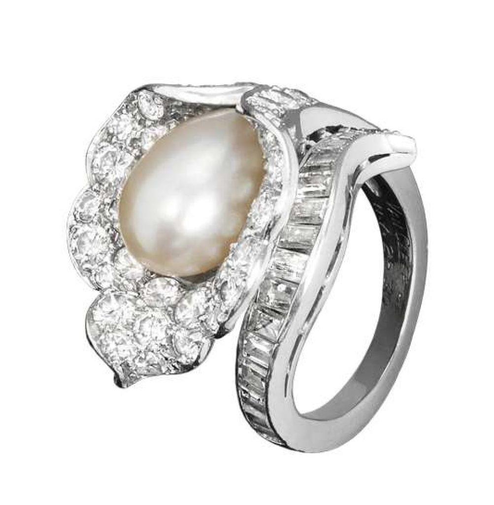 Grace-kelly-wedding-jewelry-set-pearl-diamond-ring