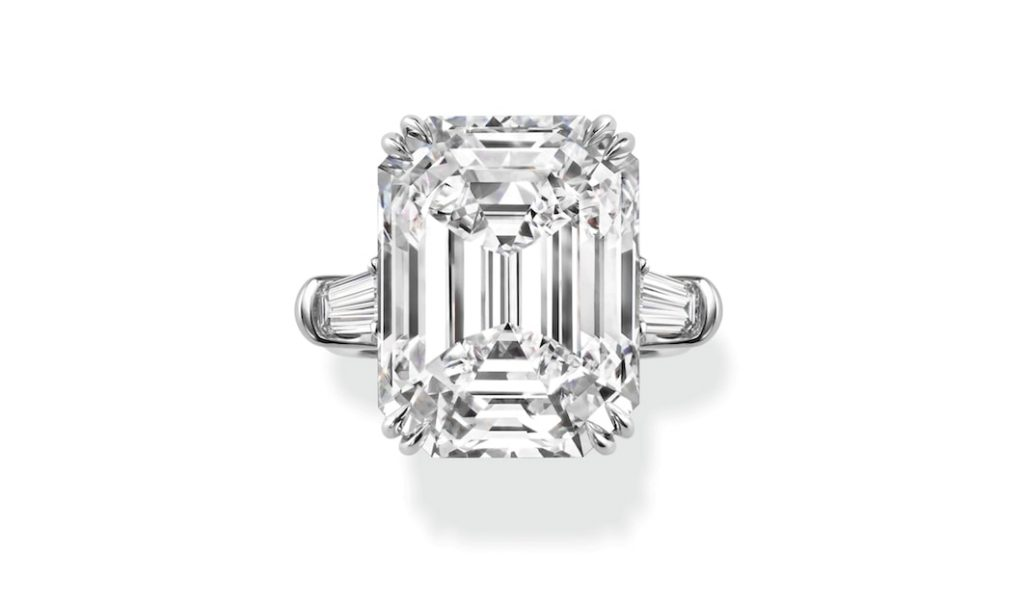 Harry-Winston-Classic-Engagement-Ring-Fine-Jewellery
