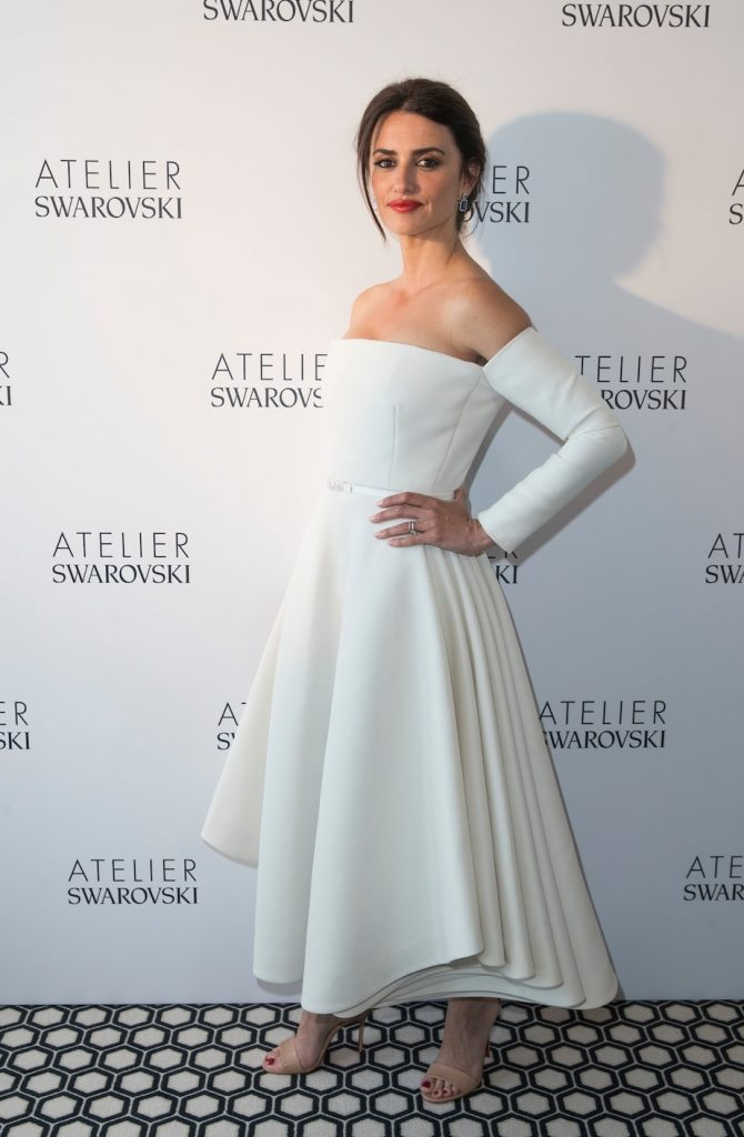 Penelope-cruz-christian-dior-gown-atelier-swarovski-jewellery-collection