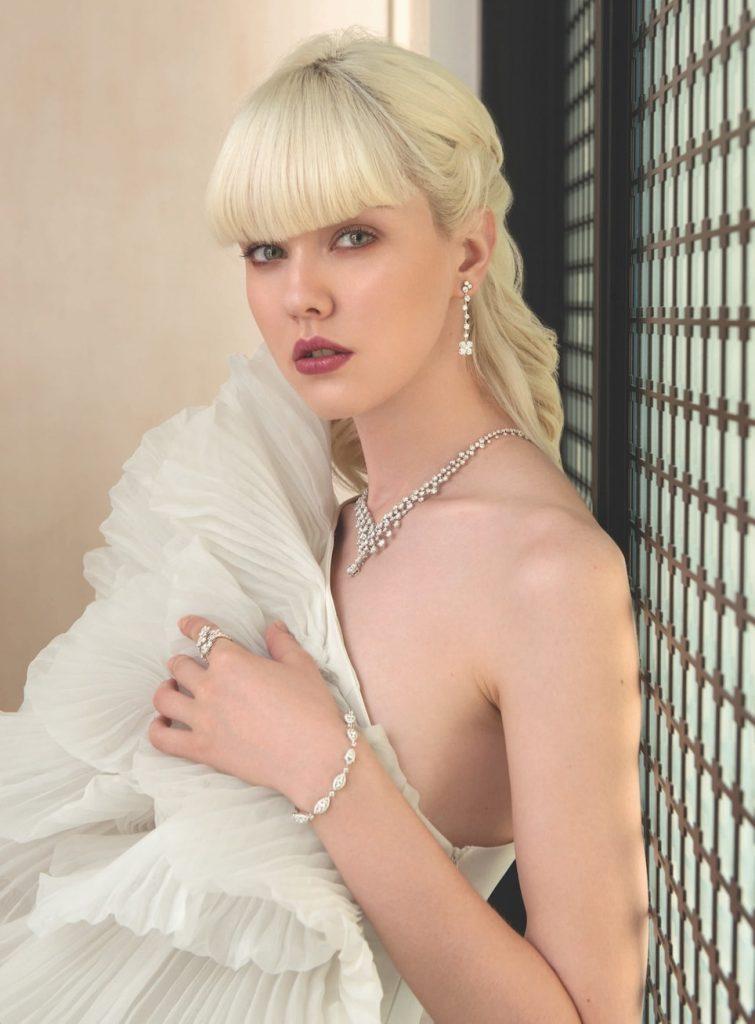 contemporary-bridal-inspiration-pleated-dress-diamond-high-jewellery-lazare-wedding-necklace-earrings-bracelet-ring