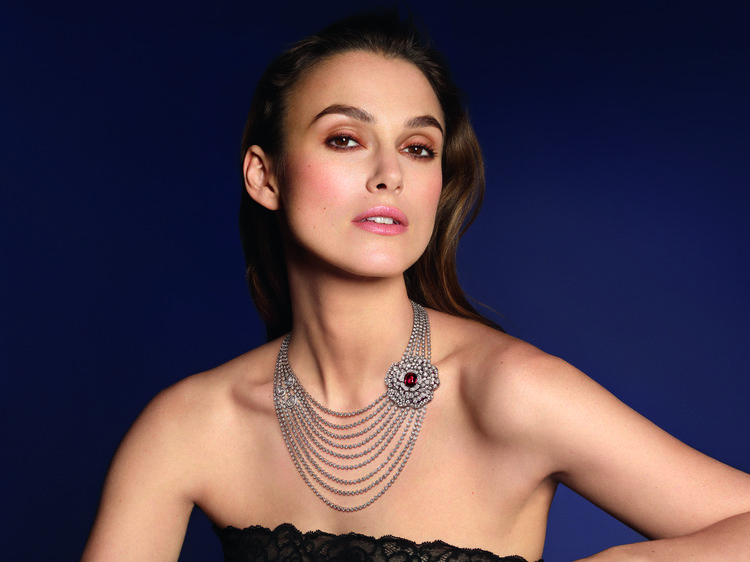 keira knightly in Chanel jewellery