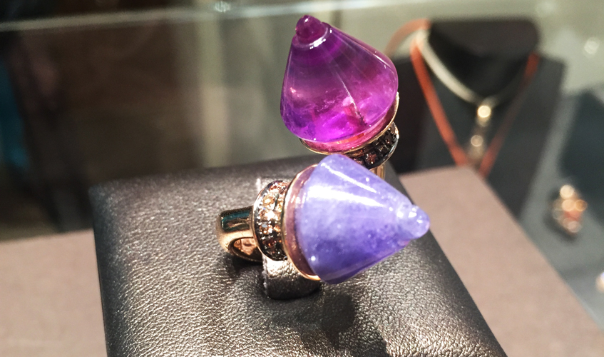 Borobudur ring in amethyst and tanzanite, ESVARA VIVA