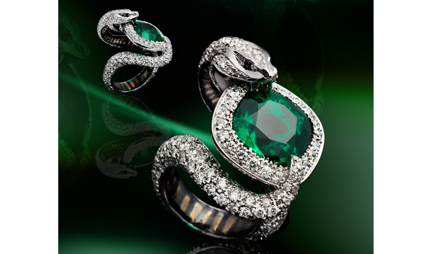 Cobra emerald ring