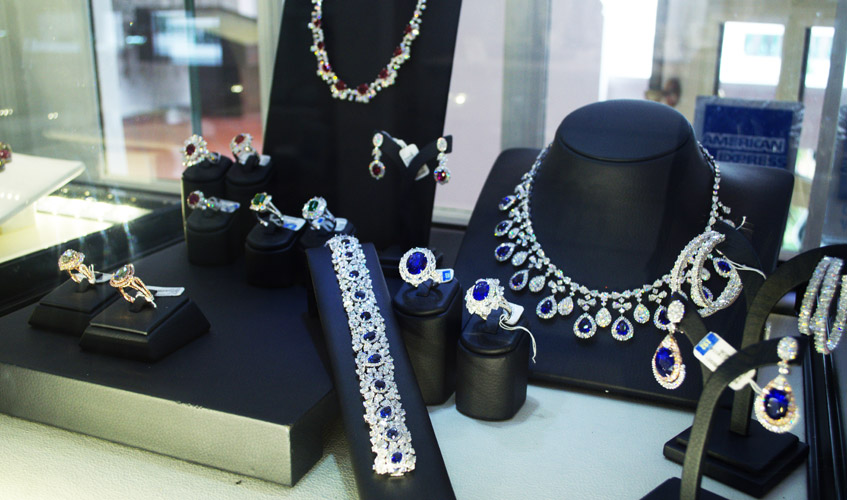 style-esther-ho-interview-jewellery-kahn